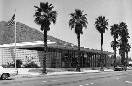 J.W. Robinson's Palm Springs. Courtesy of the Palm Springs Historical Society.