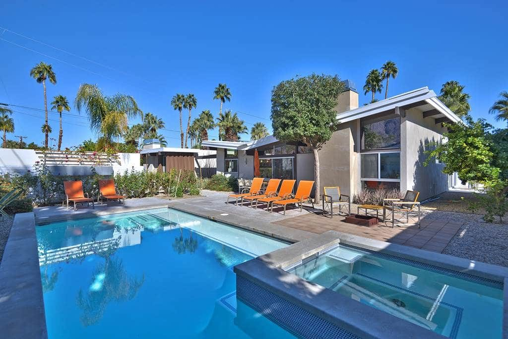 Mid-Century modern in Deepwell Palm Springs - Photo George Gutenberg